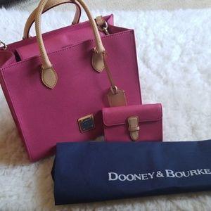 Pink dooney and bourke purse